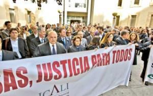 Concentración de abogados en Alicante contra las tasas judiciales.